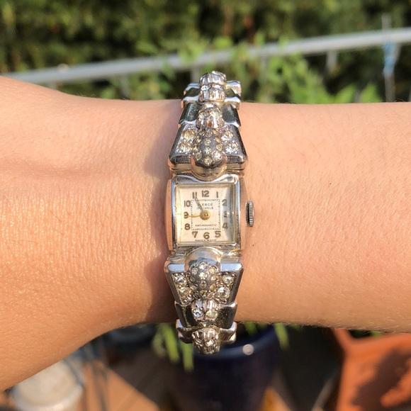 Vintage Ladies Rhinestone Watch 17 Jewels